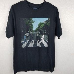 THE BEATLES Abbey Road Crosswalk Black Graphic Tee